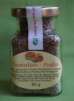 Kräuterdip mit Tomate und Chili